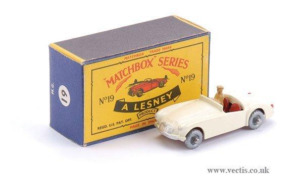 2589: Matchbox Regular Wheels No.19b MGA Sports Car