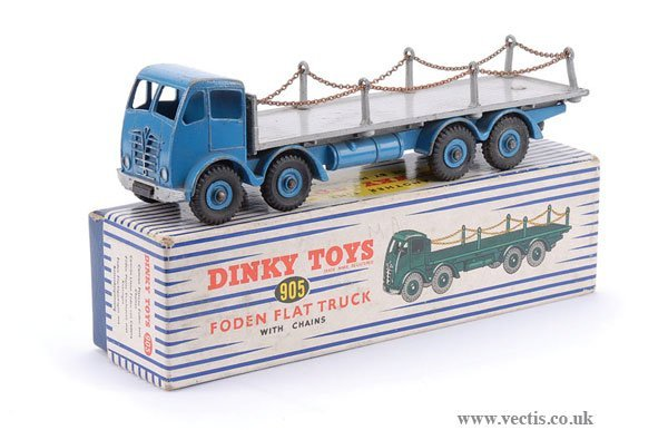 1377: Dinky No.905 Foden Flat Truck with Chains