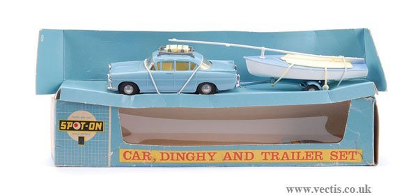 8: Spot-on No.212 Car, Dinghy and Trailer Set