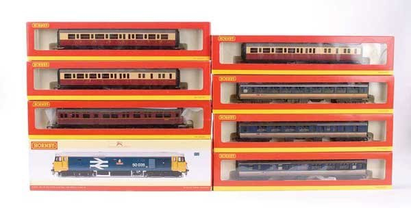 1016: Hornby (China) Loco and Coaches