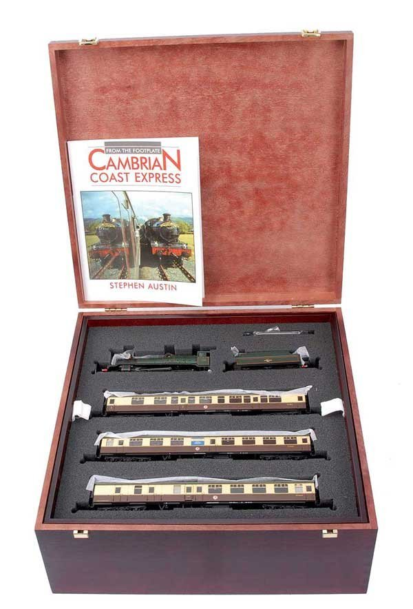 """1017: Bachmann 31-200 """"Cambrian Coast Express"""" Set"""