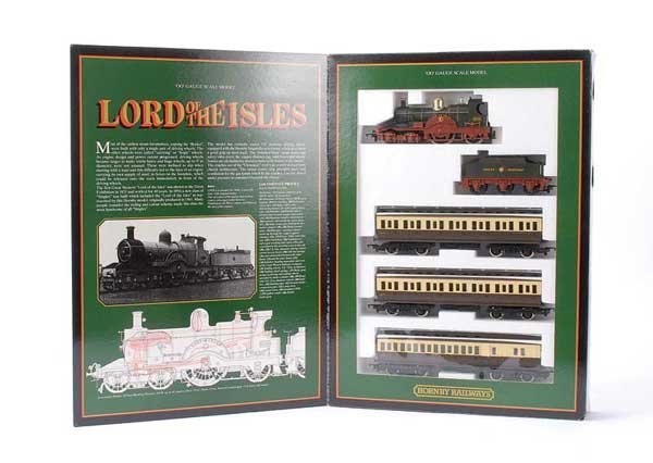 1019: Hornby R795 Lord of the Isles Train Pack