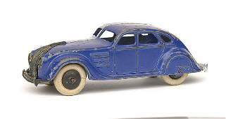 639: Dinky No.30A Chrysler Airflow Saloon