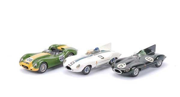 2010: Western Models - A Group of 3 x Jaguars
