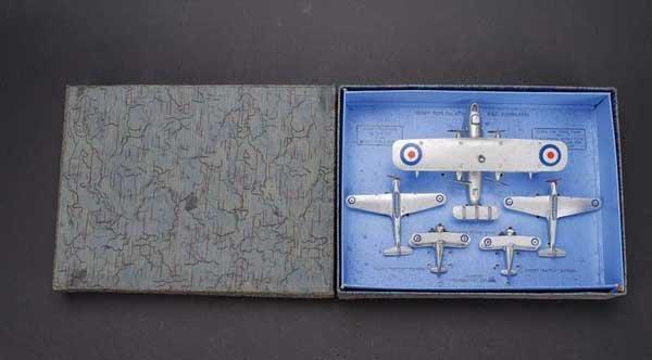 2143: Dinky Pre-war No.61 RAF Aeroplane Set