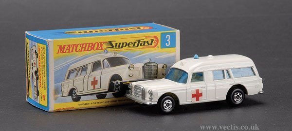741: Matchbox Superfast No.3 Mercedes Benz Ambulance