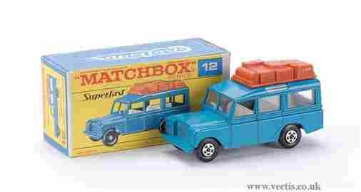 809: Matchbox Superfast No.12 Land Rover Safari