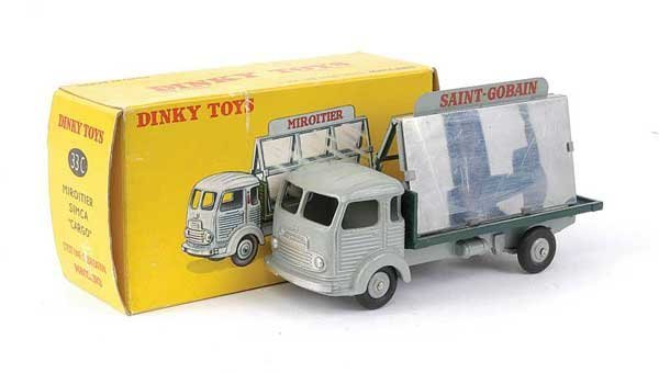 1438: French Dinky No.33C Simca Glaziers Lorry