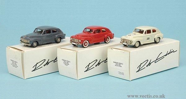 1011: Robeddie Models - A Group of Volvos