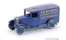 """1535: Dinky No.28b Pre-war Delivery Van """"Pickfords"""""""