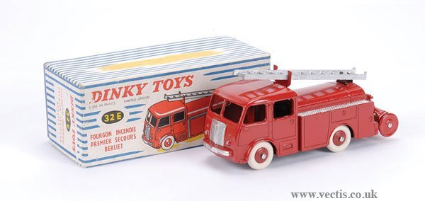 2005: French Dinky No.32E Berliet Fire Engine