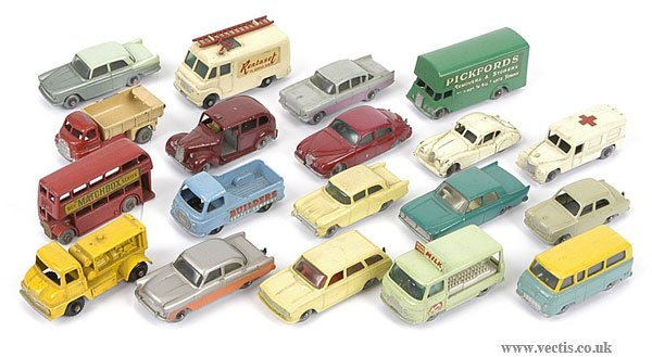 3093: Matchbox Regular Wheels Cars and Commercials