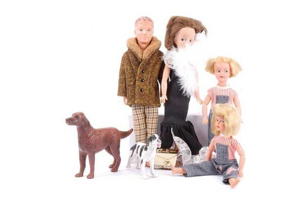 1071: Pedigree Sindy, Paul and Patch, 1960s