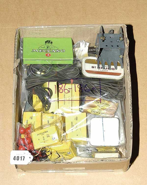 4017: Meccano - A Quantity of Smaller Components