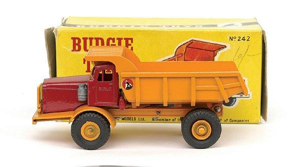 1003: Budgie No.242 Euclid Tipper Truck