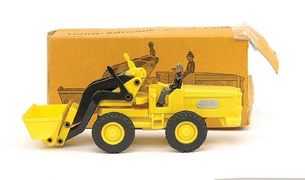 1019: Siku No.V103 Hatra Tractor Shovel