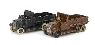 Dinky A pair of No.25S 6-wheeled Wagons