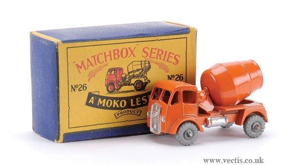 2: Matchbox No.26a-4 ERF Cement Mixer