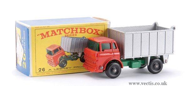 17: Matchbox No.26c-1 GMC Tipper Truck