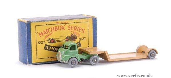 22: Matchbox No.27b-2 Bedford Articulated Low Loader