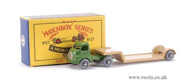 23: Matchbox No.27b-4 Bedford Articulated Low Loader