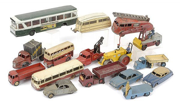 1003: Dinky Toys - English/French Unboxed Vehicles