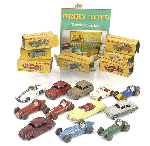1011: Dinky Toys - A Mixed Group of Cars