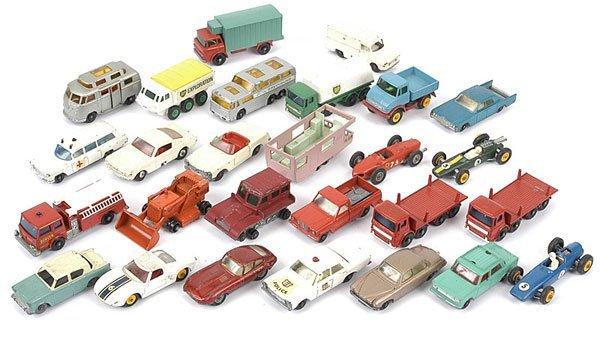 1017: Matchbox Regular Wheel Cars & Commercials