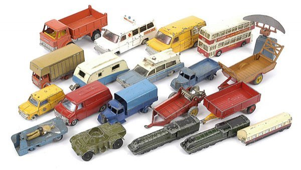 1018: Dinky Toys - A Group of Unboxed