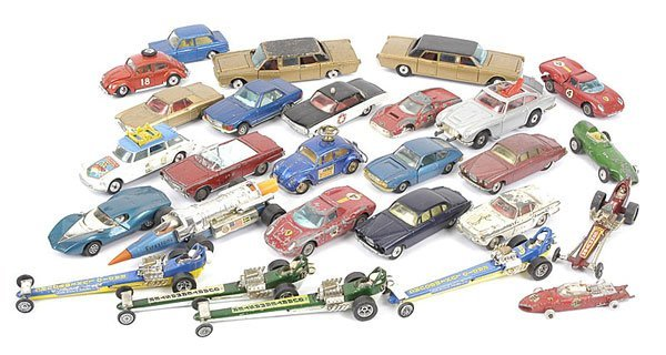 1019: Corgi Toys - A Group of Unboxed Cars