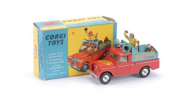 "2005: Corgi No.487 ""Chipperfields"" Land Rover"