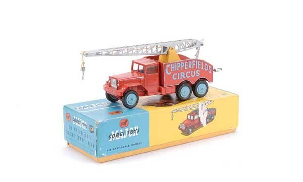 "2010: Corgi No.1121 ""Chipperfields"" Crane Truck"
