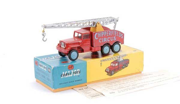 "2012: Corgi No.1121 ""Chipperfields"" Crane Truck"