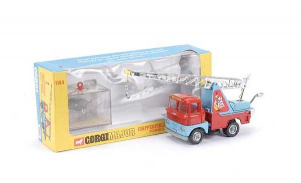 "2022: Corgi No.1144 ""Chipperfields"" Crane Truck"