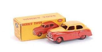 2203: Dinky No.161 Austin Somerset
