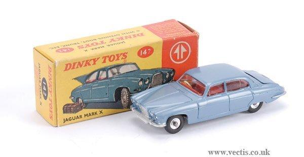 3001: Dinky No.142 Jaguar Mk.X