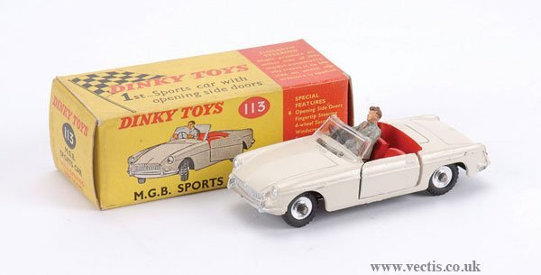 3014: Dinky No.113 MGB Sports Car