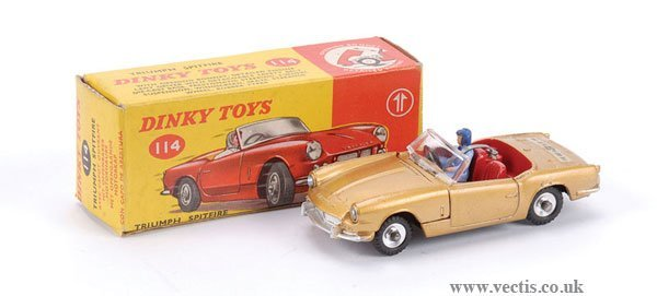 3015: Dinky No.114 Triumph Spitfire