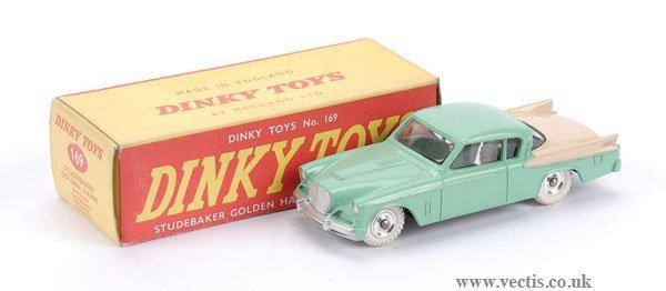 3017: Dinky No.169 Studebaker Golden Hawk