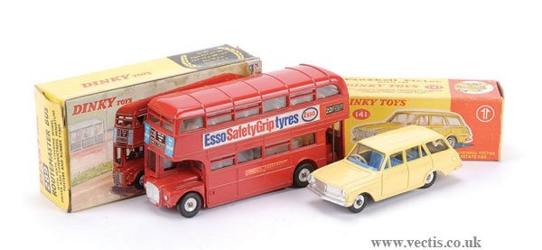 3019: Dinky No.141 Vauxhall Victor Estate