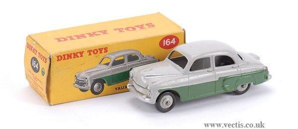3023: Dinky No.164 Vauxhall Cresta Saloon