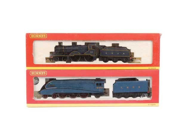 4011: Hornby (China) - A Pair of Steam Locos