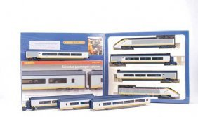 Hornby R665 4-car Class 373 Train Pack