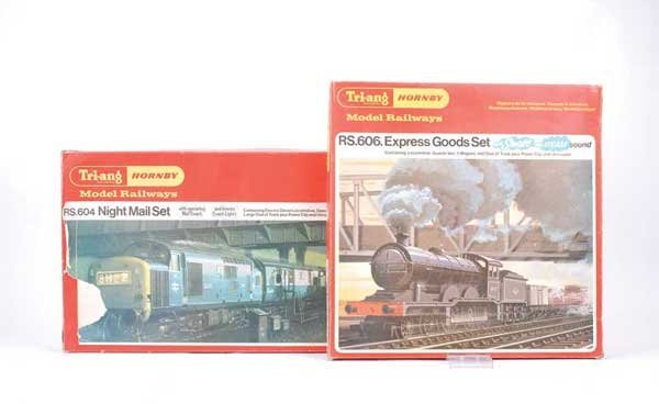 4060: OO Gauge - 2 x Triang/Hornby Train Sets