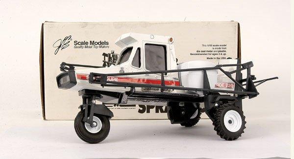 3136: Ertl (Scale Models) Melroe 220 Spra-Coupe