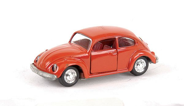 3498: Schuco 1/66 scale No.818 VW Beetle 1302S