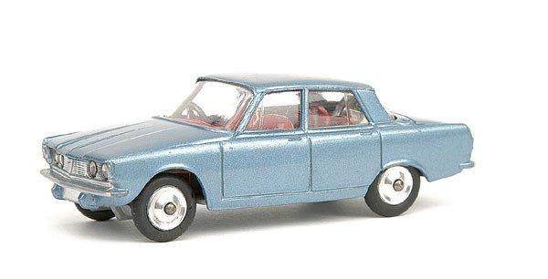 2: Corgi No.252 Rover 200