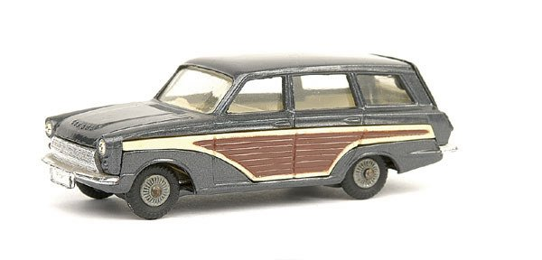 10: Corgi No.491 Ford Consul Cortina Super Estate