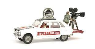 "Corgi Renault 16 ""Paramount Tour De France"""