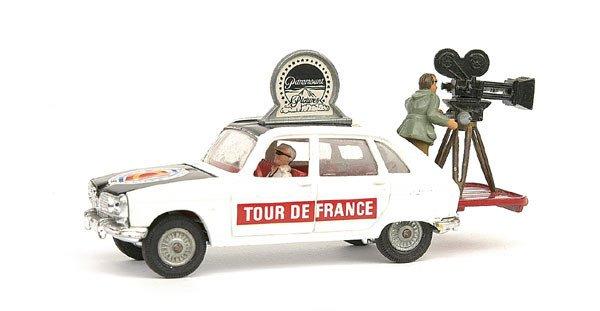 "14: Corgi Renault 16 ""Paramount Tour De France"""